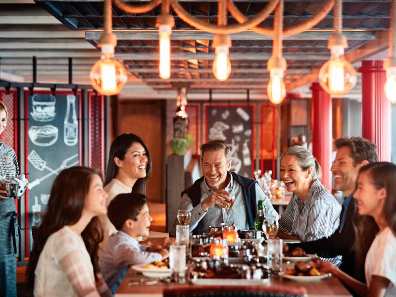 Cena familiar en el Restaurante de Princess